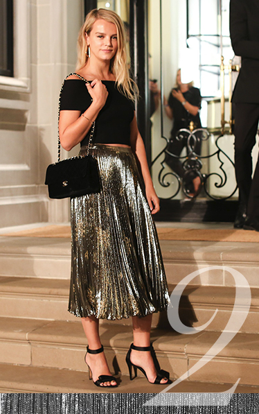 Stay on-trend this season with our fabulous range of metallic midi skirts at George.com
